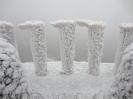 Eisfahnen auf 84 Metern im Hintergrund B260